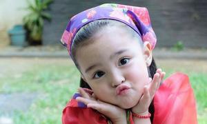 Con gái 'Mỹ nhân đẹp nhất Philippines' mặc đồ truyền thống