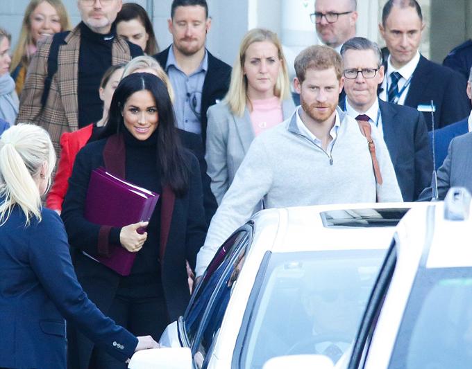 Vợ chồng Meghan - Harry bắt đầu chuyến công du 4 nước châu Úc