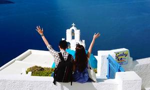 Chuyến đi ngắm hoàng hôn Santorini 'đáng ghen tỵ' của chàng trai 9X và vợ