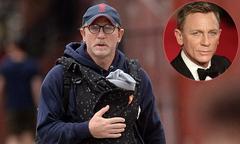 'Điệp viên 007' Daniel Craig địu con gái 1 tháng tuổi dạo phố