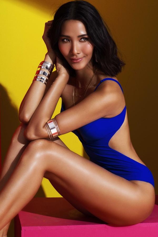 Nhờ tăng cân, người đẹp có nhiều cải thiện vềhình thể, vóc dáng nảy nở và săn chắc hơn. Số đo hiện tại của cô là chiều cao 1,77 m, ba vòng 82-60-94.
