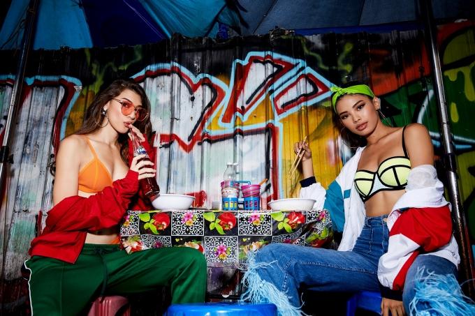 Minh Tú rũ thí sinh Asias Next Top diện bikini ra phố ở Bangkok - 9