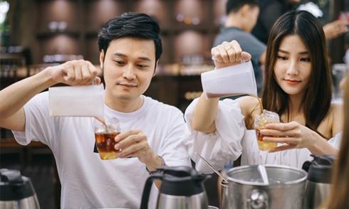 Diễm My, Quang Vinh học làm trà sữa ở Đài Loan