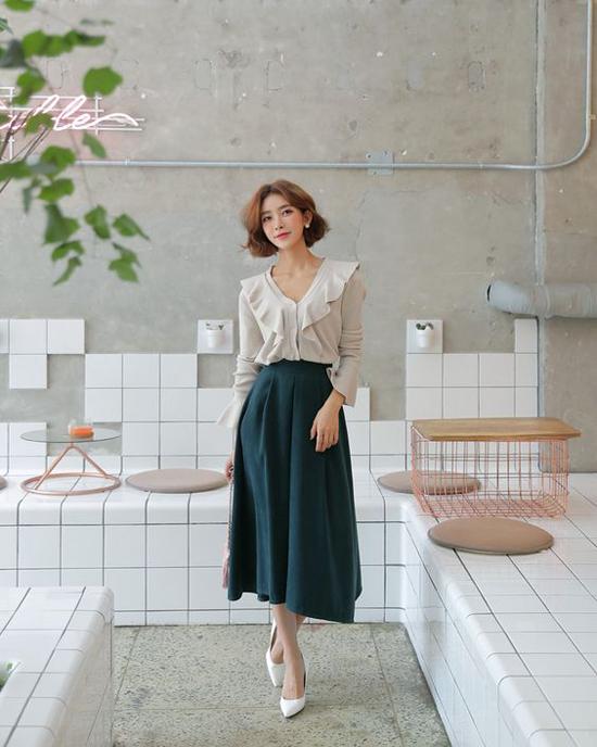 Phối chân váy ka ki hợp mốt mùa thu cho nàng công sở - 4