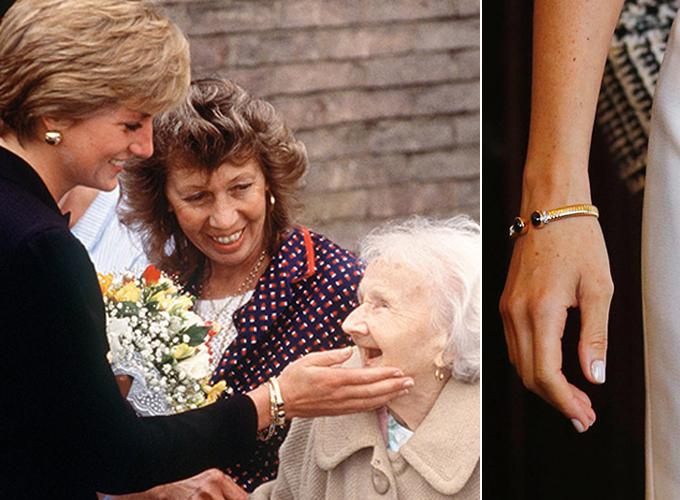 Chiếc vòng tay của bà Diana được Meghan sử dụng làm trang sức khi đến Sydney, Australia, hôm nay. Ảnh: Hello.