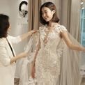 Hoa hậu Mỹ Linh e ấp khi thử váy cưới của NTK Phương Linh