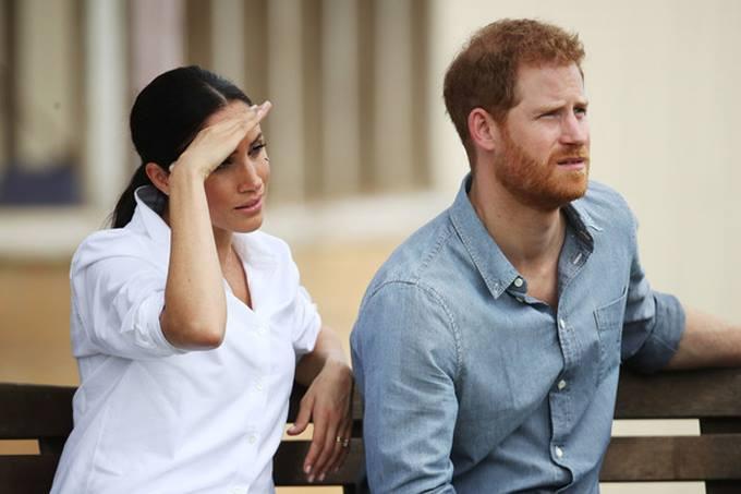 Meghan tiết lộ hơi mệt khi tới thăm trang trại Moutain View ở Dubbo, bang New South Wales sáng 17/10. Ảnh: UK Press.