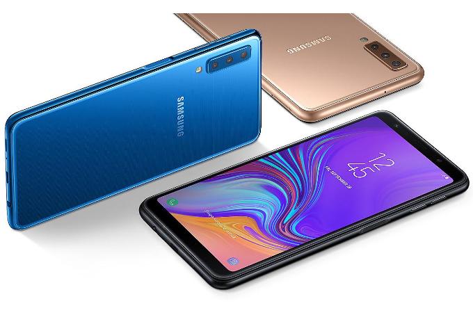 Galaxy A7 (2018) cóbamàu xanh đại dương, vàng ánh kim, đen thạch anh, giá 7,69 triệu đồng.