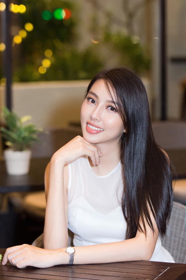 Nguyễn Thúc Thùy Tiên, sinh năm 1998, lọt top 5 Hoa hậu Việt Nam 2018 và giành giải Người đẹp Nhân ái. Trước đó, Thùy Tiên từng đoạt danh hiệu Á khôi 1 Hoa khôi Nam Bộ 2018.