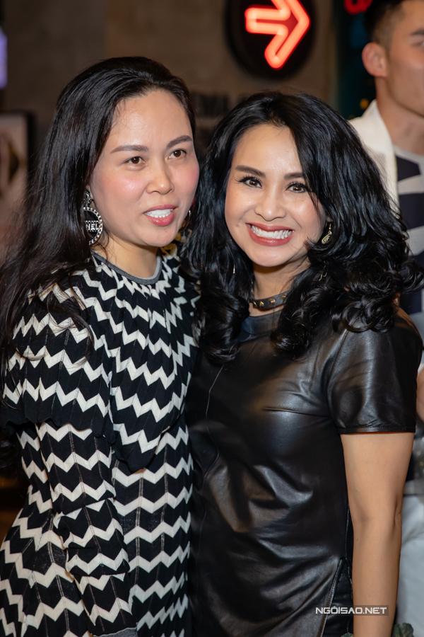 Thanh Lam bất ngờ đến ủng hộ cho phim mới của Quách Ngọc Ngoan. Diva nhạc Việt vốn có mối quan hệ khá thân thiết với doanh nhân Phượng Chanel.