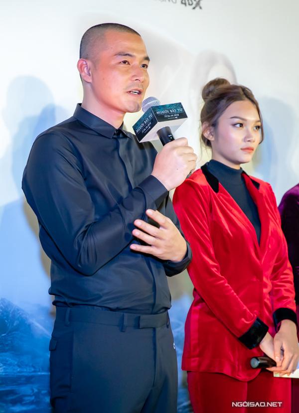 Trên sân khấu giao lưu, anh chia sẻ những kỷ niệm khó quên khi làm phim và ấn tượng với các bạn diễn như Thanh Tú, Jun Vũ, Đinh Ngọc Diệp...