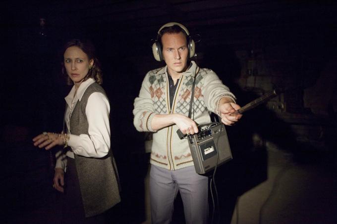 Vega Farmiga và Patrick WIlson vào vai vợ chồng nhà Warren trong Annabelle phần 1