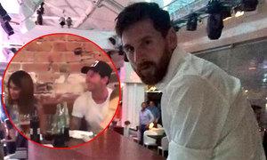Messi vỗ tay phấn khích khi thấy thợ làm bánh biểu diễn