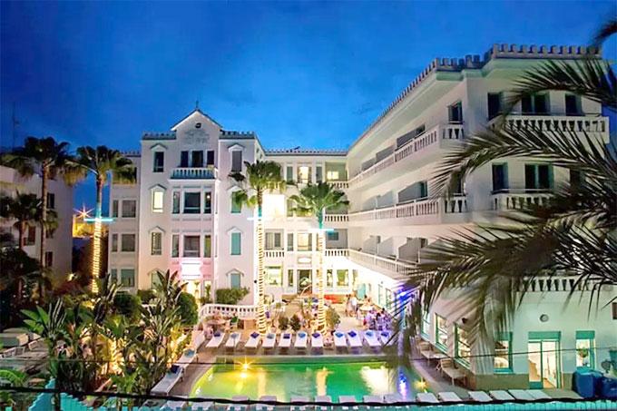 Khách sạn MiM Ibiza Es Vive ở đảo Ibiza, Tây Ban Nha. Ảnh: TS.