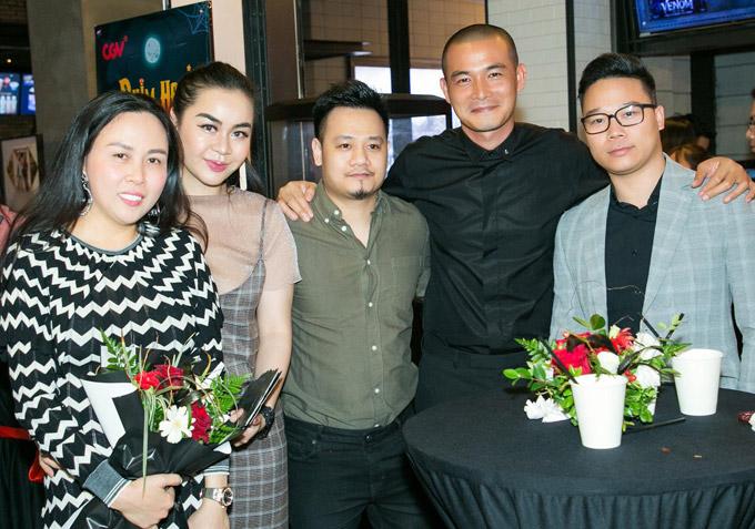 Cặp đôi Vũ Hạnh Nguyên - nhạc sĩ Nguyễn Đức Cường đến chúc mừng phim mới của Quách Ngọc Ngoan.