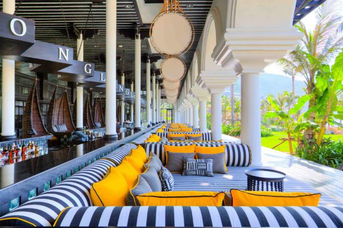 InterContinental Danang Sun Peninsula Resort được xếp thứ 3 châu Á và đứng thứ 15 thế giới.