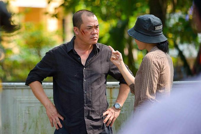 Xuân Hảo vào vai gã chồng hụt khốn nạn của Lan Cave trong phim Quỳnh búp bê.