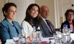 Kate chưa đến thăm em gái mới sinh vì bận nhiệm vụ hoàng gia