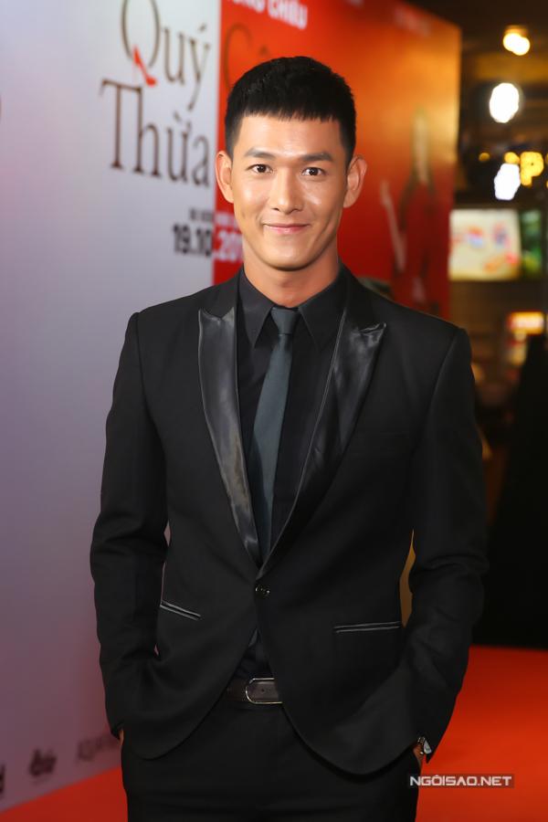 Song Luân hiện trở thành gương mặt được quan tâm ở lĩnh vực diễn viên. Anh vừa đóng máy bộ phim Hậu duệ mặt trời phiên bản Việt.