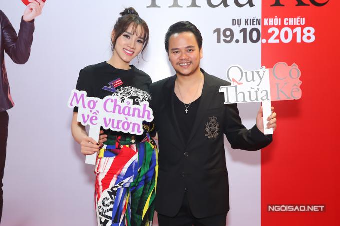 Diễn viên Trang Nhung bênông xã Nguyễn Hoàng Duy -nhà sản xuất kiêm đạo diễn bộ phim.
