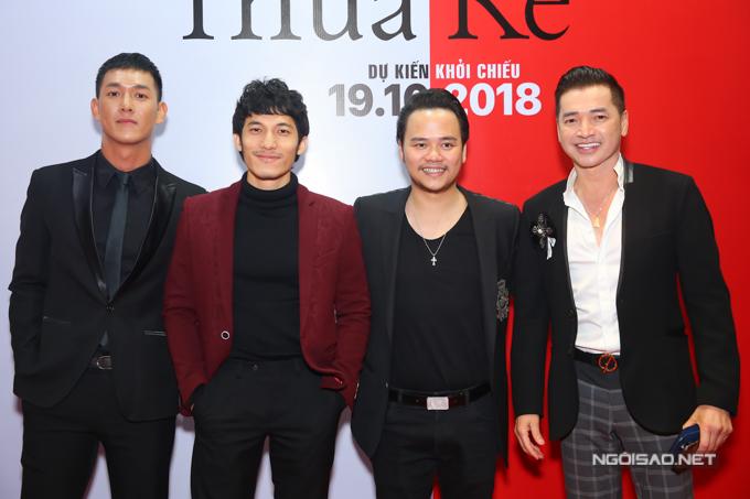 Từ trái qua: Song Luân, Liên Bỉnh Phát (hai diễn viên của phim), đạo diễn Nguyễn Hoàng Duy, nghệ sĩ Quang Minh.