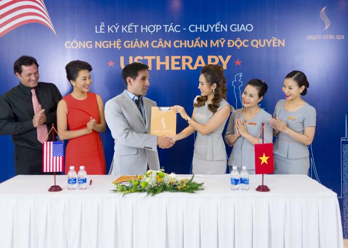 Saigon Smile Spa ký kết nhiều hợp tác chuyển giao công nghệ với đối tác Mỹ.