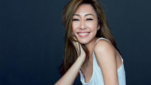 Hồ Định Hân sinh năm 1981, là hoa đán nổi tiếng của TVB. Cô nổi tiếng với các vai trong phim Đại Đường song long truyện, Khát vọng tuổi trẻ, Ngưu Lang Chức Nữ....