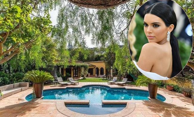 Fan cuồng bò qua núi lẻn vào biệt thự của Kendall Jenner