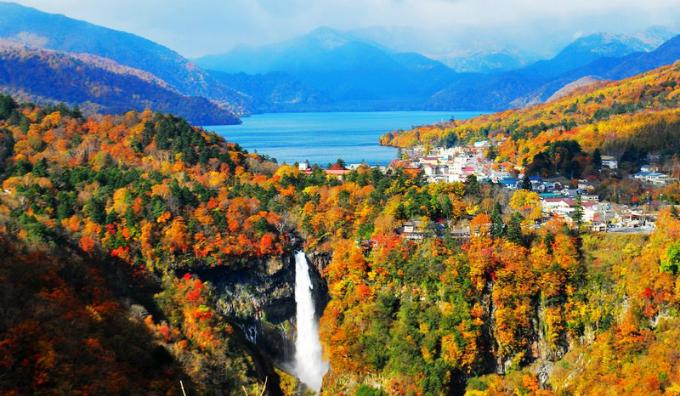Bức tranh mùa thu ở con đường nguy hiểm bậc nhất Nhật Bản - 4