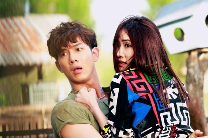 Ngân Khánh và Song Luân trong phim.