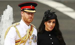 Harry diện quân phục cùng vợ dự sự kiện ở Australia