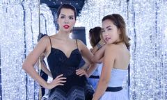 Hà Anh đọ dáng bên em gái trong buổi tiệc thời trang