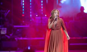 Thanh Hà hát hit 'Cả một trời thương nhớ' của Hà Hồ