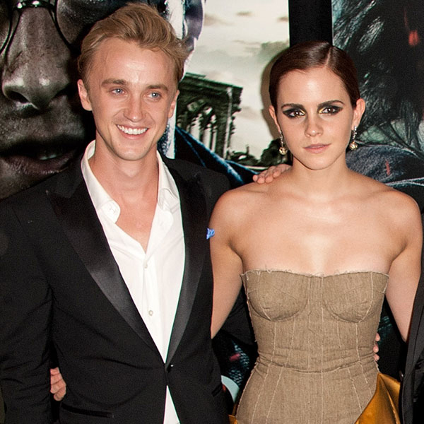Bạn diễn Tom Felton (2003 - 2005): Tin đồn hẹn hò giữa cậu phù thủy phản diện Draco Malfoy và cô phù thủy Hermione Granger rộ lên vào đầu những năm đóng Harry Potter. Tuy nhiên sau này Emma thú nhận rằng chỉ có mình cô mê cậu bạn diễn điển trai này. Trong khi đó một bạn diễn khác là chết mê chết mệt Emma là nam diễn viên Matthew Lewis (đóng vai phù thủy Neville). Tôi có lẽ đã thầm thương trộm nhớ Emma khoảng hai năm cho đến khi tôi 13-14 tuổi, Matthew Lewis tiết lộ trên tạp chí Seventeen.