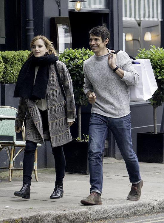 Chuyên gia công nghệ William Knight (2015 đến 2017): William Knight là bạn trai gắn bó lâu nhất với Emma Watson dù chỉ kéo dài hơn hai năm. William làm việc tại Thung lũng Silicon, được nhận xét là một người rất thông minh, năng động và giàu có với thu nhập mỗi tháng của anh khoảng 150.000 USD (3,4 tỷ đồng).Mẹ William tâm sự rằng bà đã gặp Emma và rất quý nữ diễn viên. Có vẻ như đây là mối tình nghiêm túc hiếm hoi của Emma nhưng cô vẫn chưa có cái kết đẹp. Hai người chia tay vào hè năm ngoái.