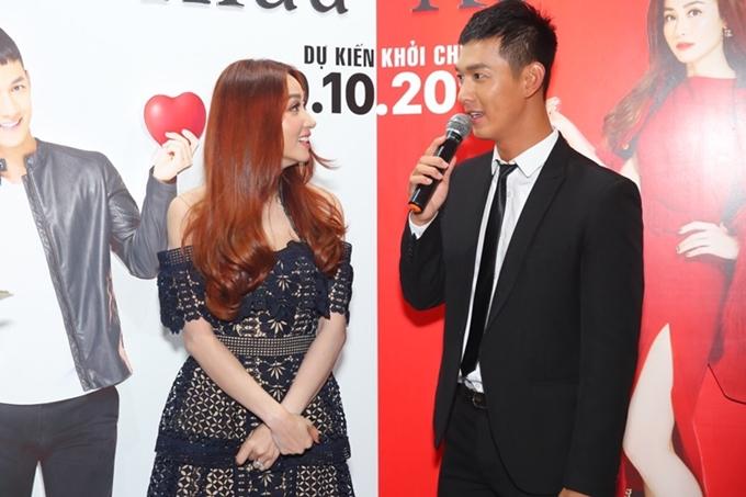 Vai diễn của Song Luân đóng vai trò quan trọng trong quá trình thay đổi của nhân vật Nhung. Trên phim trường, Song Luân ban đầu ngại ngùng ở những phân đoạn tình cảm với Ngân Khánhvì anh kém đàn chị 6 tuổi.