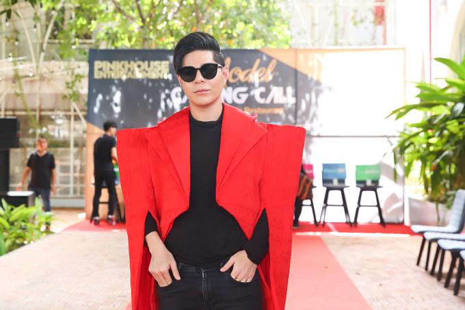 Đạo diễn thời trang Hưng Phúc chia sẻ, anh dành hơn 6 tháng chuẩn bị cho Asian Kids Fashion Week 2019. Ngoài việc gặp gỡ, trao đổi ý tưởng với từng nhà thiết kế, anh còn tham dự tuần lễ thời trang các nước khu vực châu Á và châu Âu để học hỏi thêm kinh nghiệm.