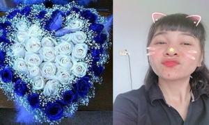 Cát Phượng hạnh phúc khoe quà Kiều Minh Tuấn tặng