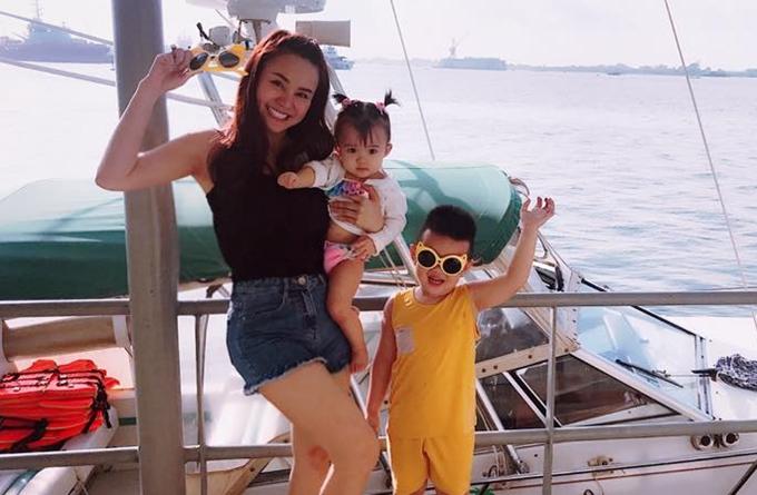 Ca sĩ Vy Oanh sinh hai con tại Mỹ.