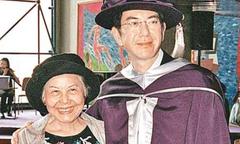 Hoàng Thu Sinh từng bị mẹ cho ăn chất tẩy để cùng chết