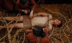 Quách Ngọc Ngoan bị tra tấn, Jun Vũ 'biến dạng' trong 'Người bất tử'