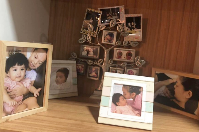 Khoảnh khắc bình yên của hai con gái được Phạm Quỳnh Anh chia sẻ cùng dòng tâm sự.
