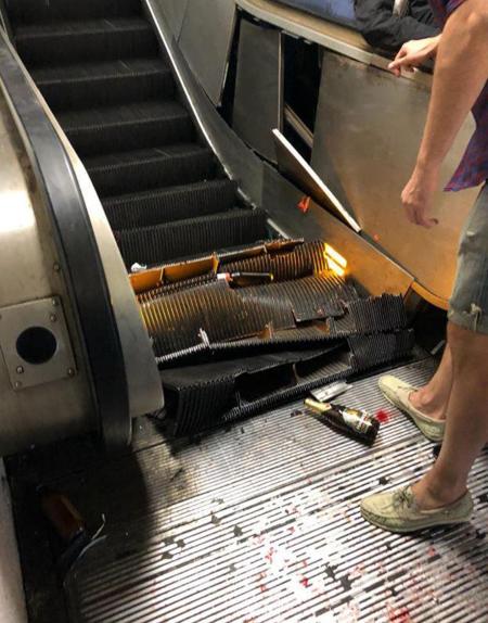 Chân thang cuốn bị hư hỏng nặng sau vụ việc. Ảnh: Telegram.