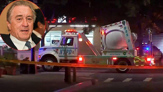Xe gỡ bom bên ngoài nhà hàng của Robert De Niro sáng 25/10.