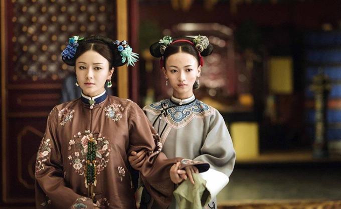 Tần Lam (trái) và Ngô Cẩn Ngôn trong phim Diên Hy công lược. Ảnh: QQ