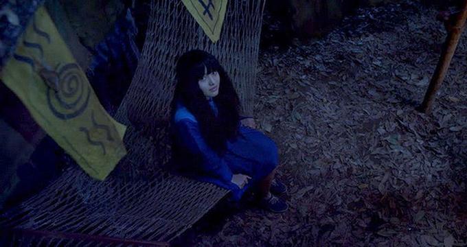 Thánh Cô Chiêu Dương do Yu Dương đóng mang tạo hình kỳ bí. Ảnh: Galaxy Cinema