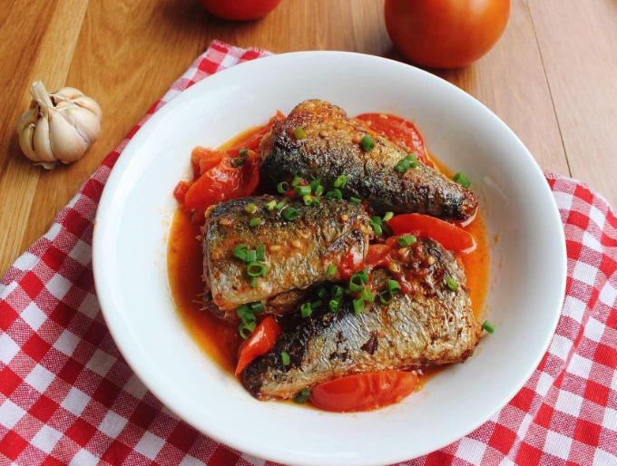 Cá nục sốt cà chua