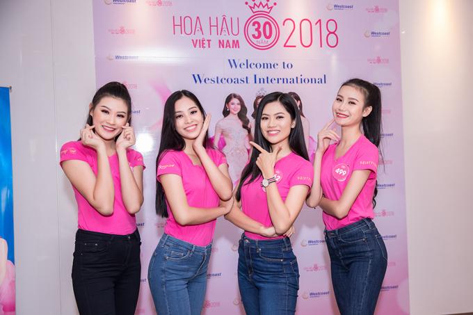 Trước đó, Top 3 từng cùng các thí sinhtrong cuộc thi Hoa hậu Việt Nam 2018 đãđếnNha khoa Quốc tế Westcoast để trải nghiệm dịch vụ chăm sóc răng miệng và tư vấn sức khỏe nha khoa từ các chuyên gia.