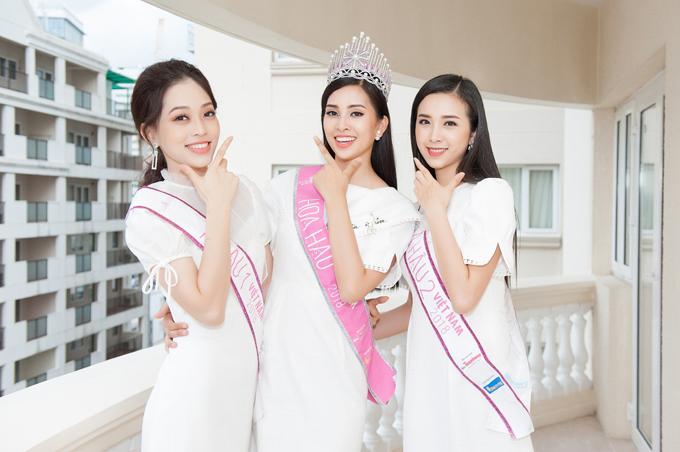 Á hậu Bùi Phương Nga đang tham gia cuộc thi Miss Grand International 2018 tại Myanmar sau khi thăm khám tổng quát và nhận được những lời khuyên hữu ích tại Nha khoa Westcoast.Hoa hậu Trần Tiểu Vy cũngtích cực tập luyện để sẵn sàng chinh chiếntại đấu trườngnhan sắc Miss World.