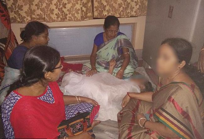 Thanh niên 20 tuổi hiếp dâm cụ bà 100 tuổi gây sốc Ấn Độ